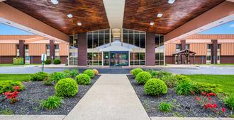 Quality Inn and Suites Florence - Cincinnati South - Florence - Edificio