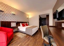 Quality Hotel Curitiba - Curitiba - Makuuhuone