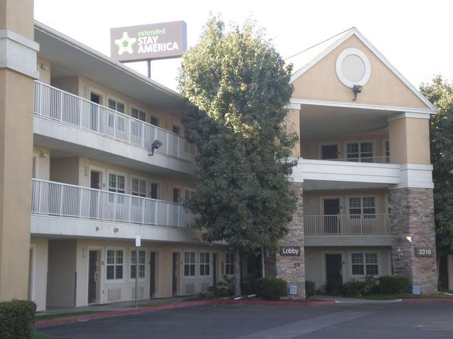 貝克斯菲爾德加利福尼亞大道美國長住酒店 - 巴克爾斯菲爾德 - 貝克斯菲爾德 - 建築