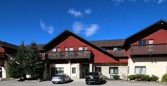 Bighorn Inn & Suites - Dead Man's Flats - Building