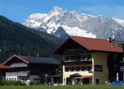 Sporthotel Schönau am Königssee - Schönau am Königssee - Outdoors view