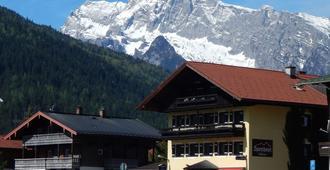 Sporthotel Schönau am Königssee - Schönau am Königssee - Vista del exterior