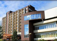 هوتل ساتيل - بوبراد - مبنى