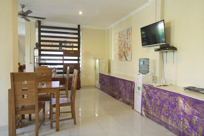 Airy Gianyar Hasanuddin Gang Dugul Sari Bali - Gianyar - Dining room