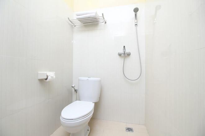 Airy Gianyar Hasanuddin Gang Dugul Sari Bali - Gianyar - Bathroom