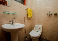 Nagarkot Bed & Breakfast - Nagarkot - Bathroom