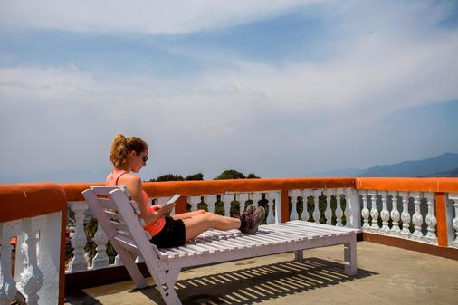 Nagarkot Bed & Breakfast - Nagarkot - Balcony