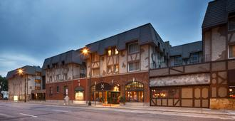 Best Western Plus The Normandy Inn & Suites - Minneapolis - Gebäude