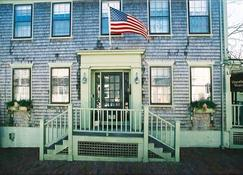 Hawthorn House - Nantucket - Building