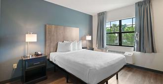 Extended Stay America Suites - Fort Lauderdale - Convention Center - Cruise Port - פורט לודרדייל - חדר שינה