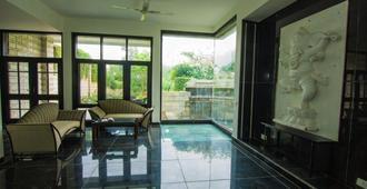 V Resorts Delhi Farm Stay - Nueva Delhi - Cocina