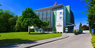 Vivaldi Hotel - Poznan - Building
