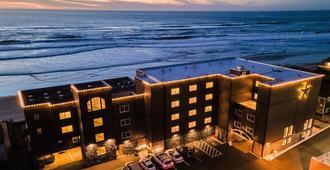 Starfish Manor Oceanfront Hotel - לינקולן סיטי - בניין