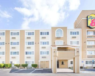 Super 8 by Wyndham National City Chula Vista - National City - Building