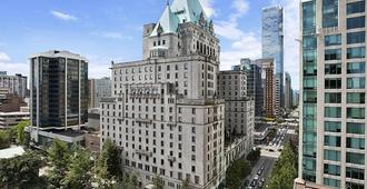 Fairmont Hotel Vancouver - Vancouver - Outdoors view