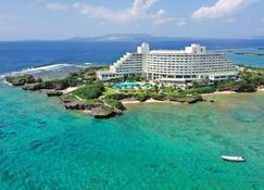 Ana Intercontinental Manza Beach Resort - Onna - Building