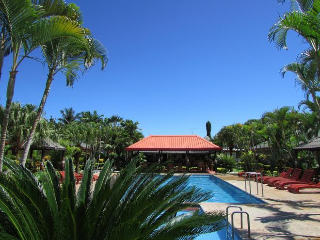 維洛艾洛海灘度假酒店 - 楠迪 - 南迪 - 游泳池