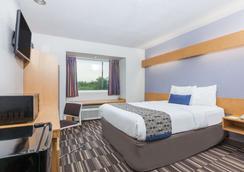 Microtel Inn & Suites by Wyndham Ardmore - Ardmore - Bedroom