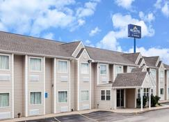 Microtel Inn & Suites by Wyndham Ardmore - Ardmore - Building