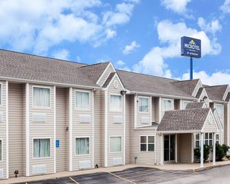 Microtel Inn & Suites by Wyndham Ardmore - Ardmore - Gebäude