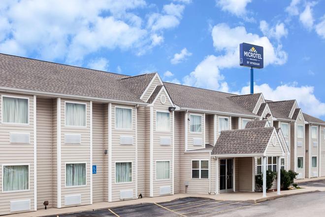 Microtel Inn & Suites by Wyndham Ardmore - Ardmore - Building
