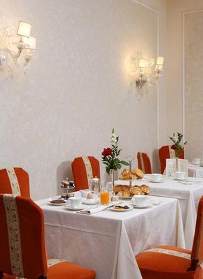 Hotel De La Ville - Florence - Dining room
