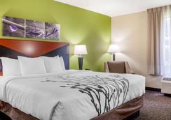 Sleep Inn & Suites Airport - Milwaukee - Bedroom