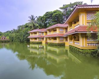 Mayfair Lagoon - Bhubaneshwar - Building