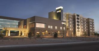 Home2 Suites by Hilton Albuquerque Downtown/University - Albuquerque - Building