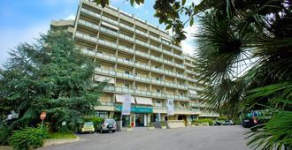 Quality Hotel Rouge et Noir - Roma - Edificio