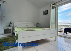 Apartments Frane - Hvar - Bedroom