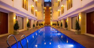 The Sun Hotel & Spa Legian, Bali - Kuta - Pool