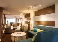 Courtyard by Marriott Nassau Downtown/Junkanoo Beach - Nassau - Lounge