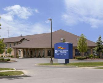 Baymont by Wyndham Whitewater - Whitewater - Building