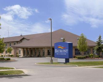 Baymont by Wyndham Whitewater - Whitewater - Gebäude