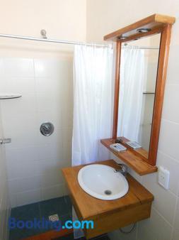 Hotel Viola - La Paloma - Bathroom
