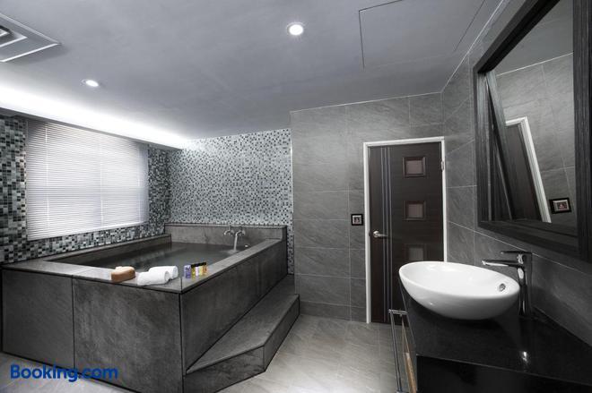 One Fukun Hotel - Yilan City - Bathroom