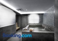 One Fukun Hotel - Yilan City - Pool