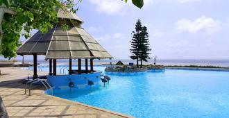 Long Hai Beach Resort - Vũng Tàu - Pool