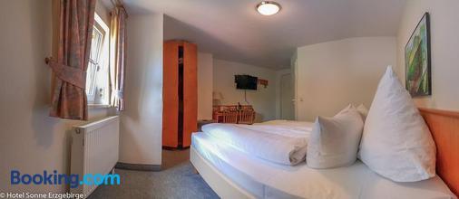 Hotel Sonne - Seiffen - Bedroom