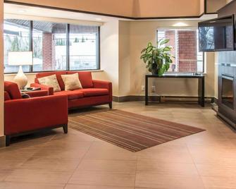Comfort Inn Kenora - Kenora - Lobby