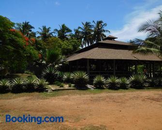 KO-SA Beach Resort - Ampeni - Building
