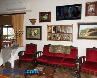 Cheetau Lodge - Bethlehem - Living room