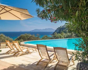 Armonia Bay Hotel - Kokkari - Pool