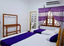 Snp Star Guesthouse - Trincomalee - Bedroom