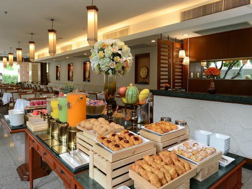Centre Point Sukhumvit 10 - Bangkok - Buffet