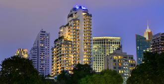 Centre Point Sukhumvit 10 - Bangkok - Building