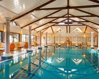 The Oberoi Cecil - Shimla - Pool