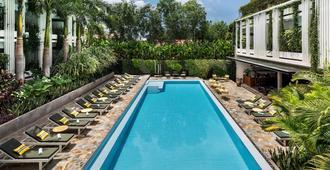 Viroth's Hotel - Siem Reap - Πισίνα