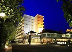 Mesra Business & Resort Hotel - Самаринда - Здание